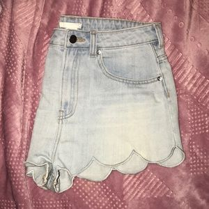 h&m scalloped shorts